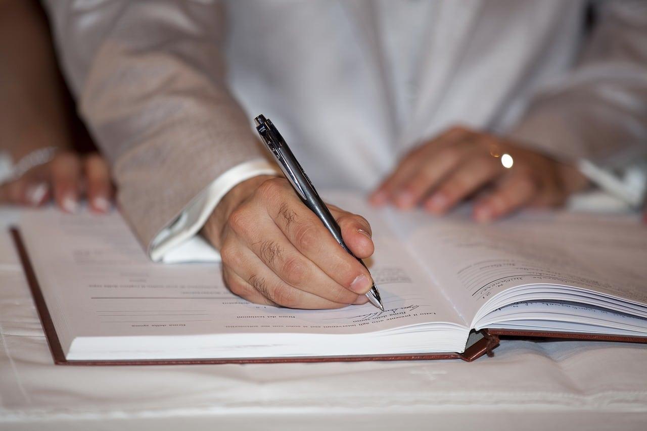Pourquoi consulter un notaire pour un pacs ou un mariage ?